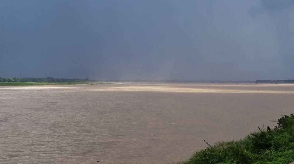 Wide Mekong river in Kratie