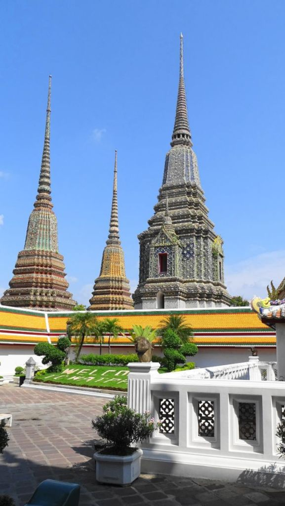 Colourful stupas of Wat Pho in Bangkok